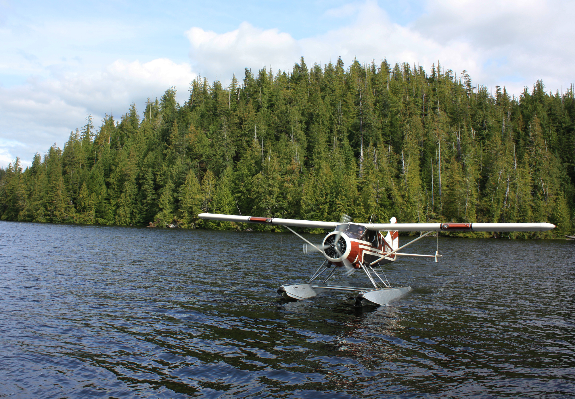 Floatplane Arrives At Orcas Cove