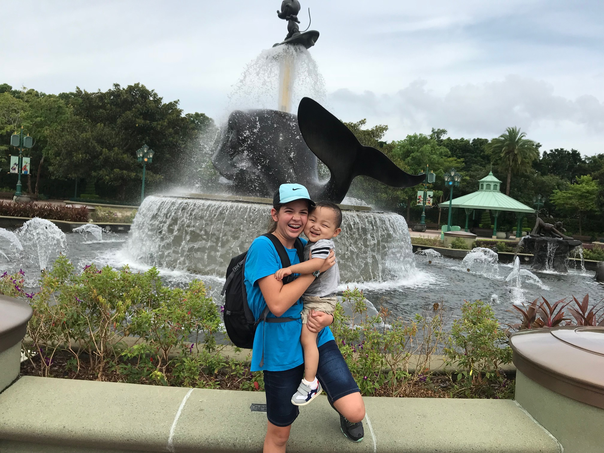 We did get a lot of smiles out of Luke today... he especially loved the fountain that responded to music.