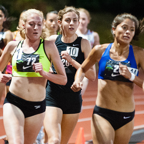Mary Cain (#10) on her way to breaking the U.S. high school 5,000m record