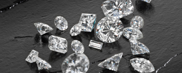 Loose diamonds.png