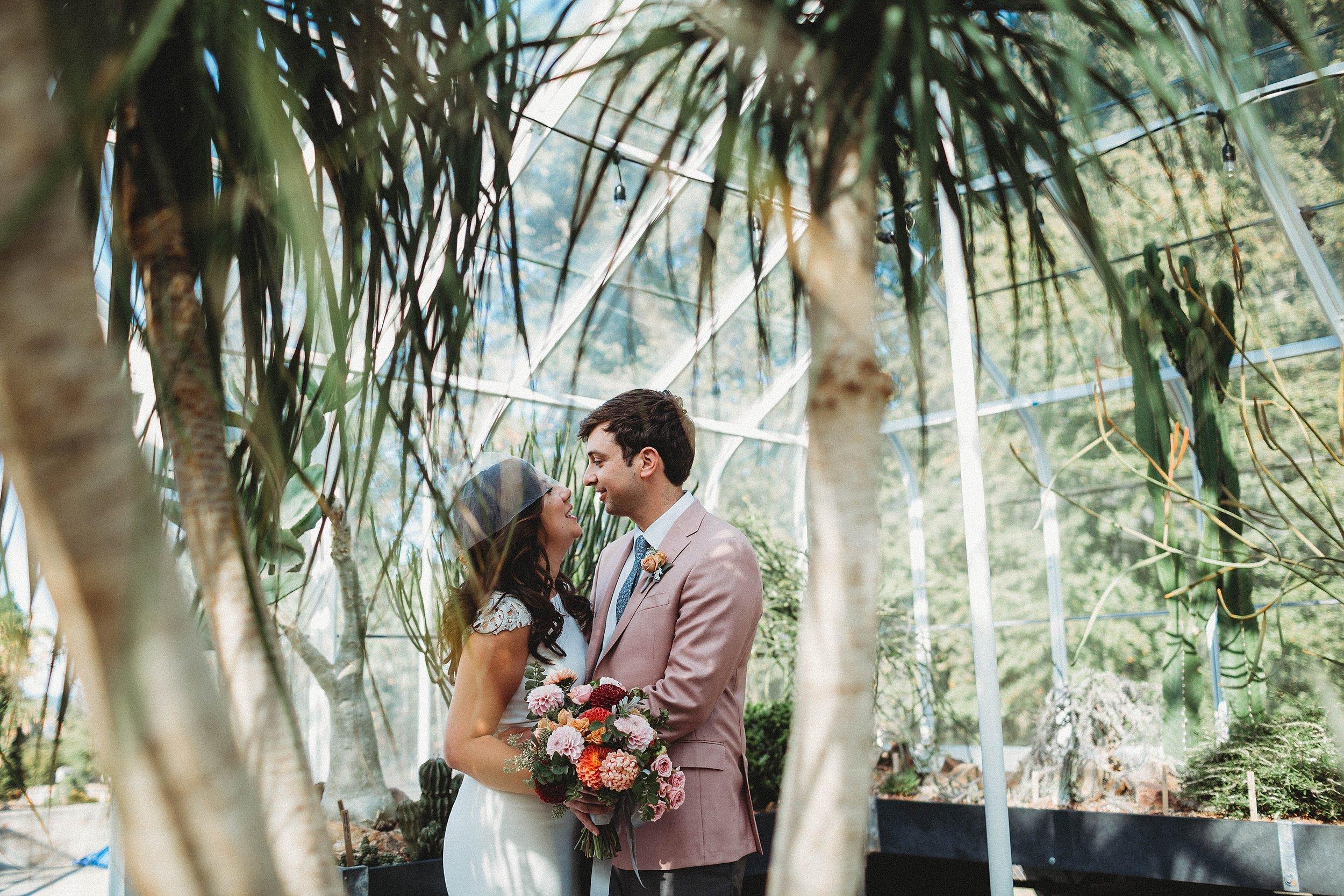 yinshi david - seattle wedding photographer - SAM wedding volunteer park reception -29.jpg