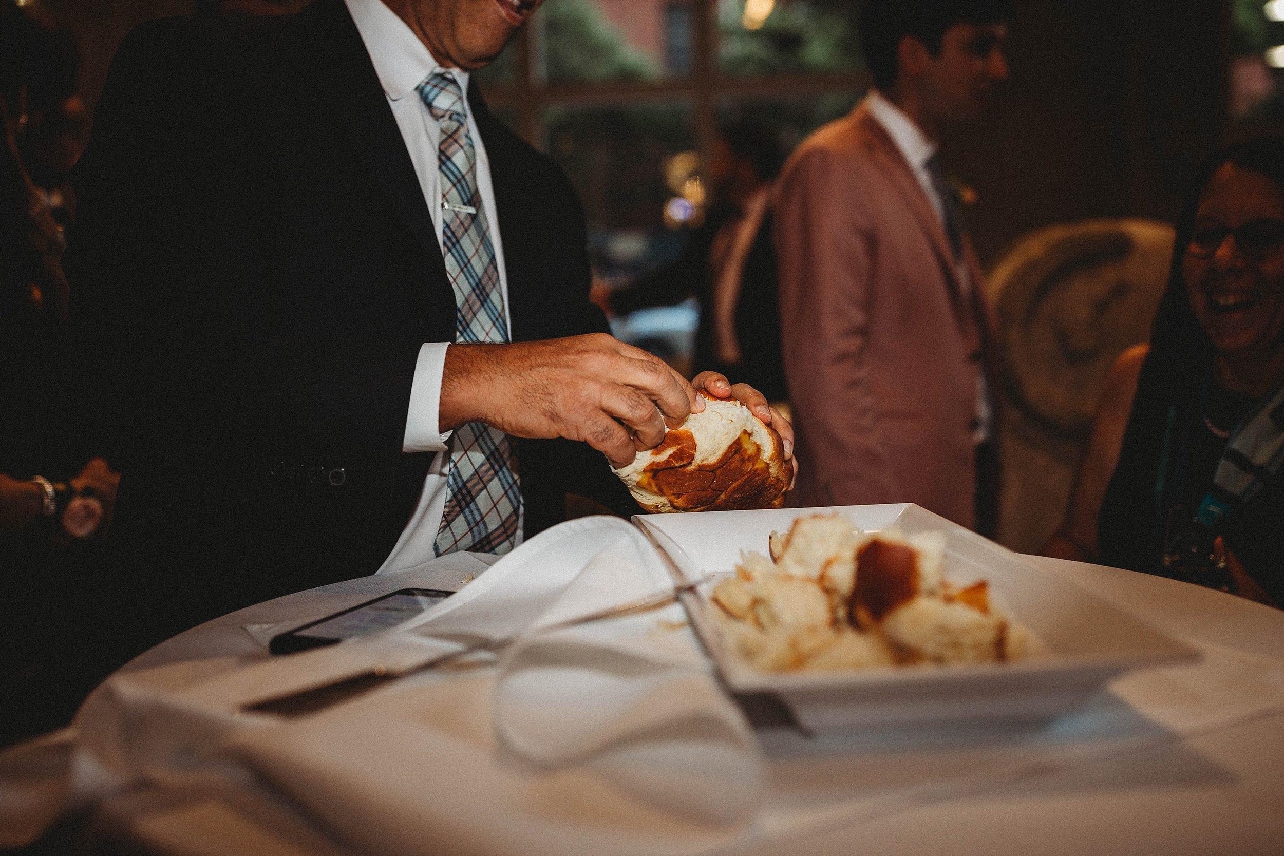yinshi david - seattle wedding photographer - SAM wedding volunteer park reception -32.jpg
