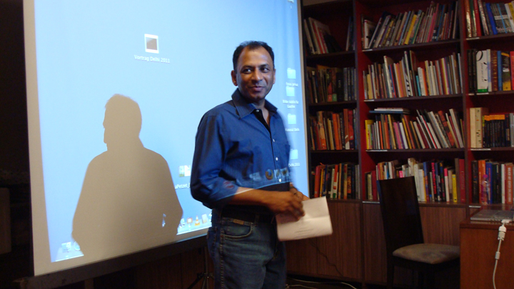 Ravi Agarwal, curator of the Yamuna Elbe project, speaks about the project.