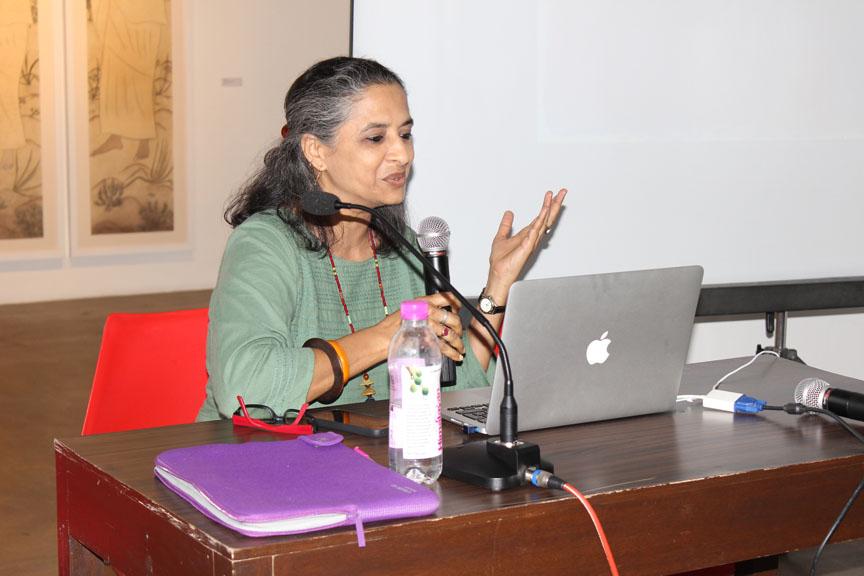 Artist Manisha Parekh presenting her work