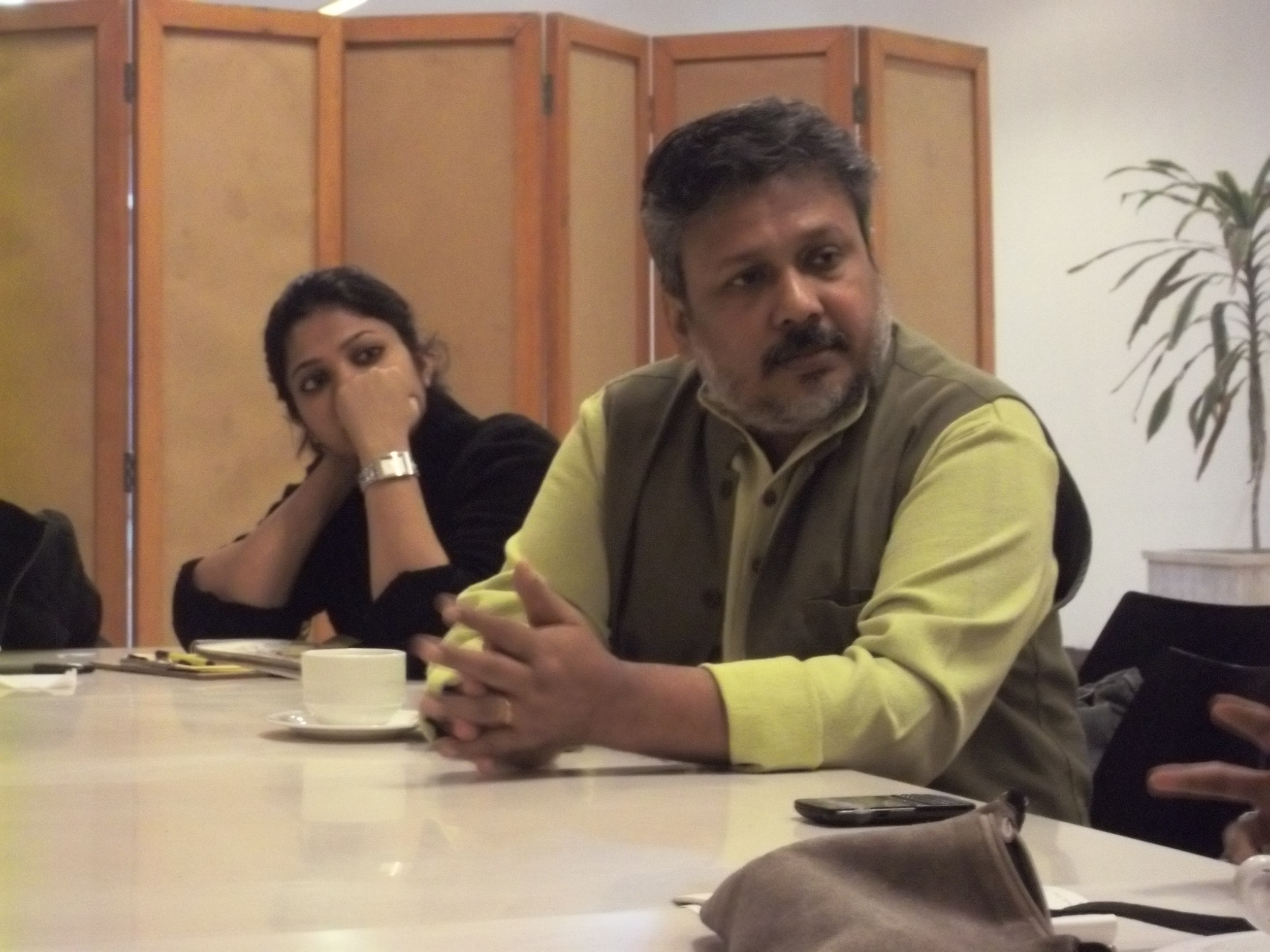 Samit Das talking to a participants