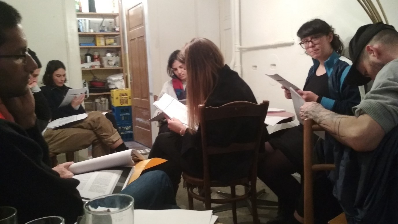 "workshop on breathing and collective reading of Bertolt Brecht's text ""Tuis,"" by stefanie knobel"