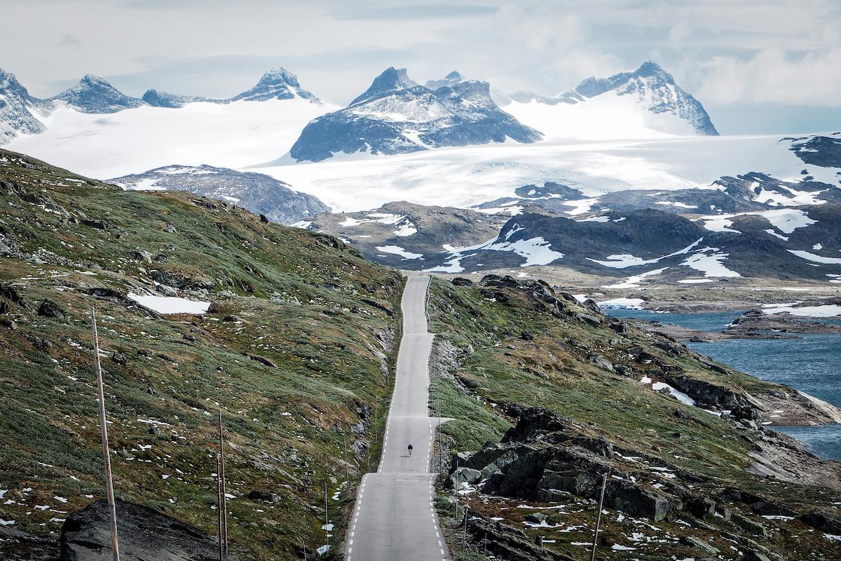 Sognefjellet - Om du bare kan sykle ett fjell i Norge før du dør må det bli Sognefjellet. Ingen fjelloverganger er mektigere. Eller høyere.Se Sognefjellet her →