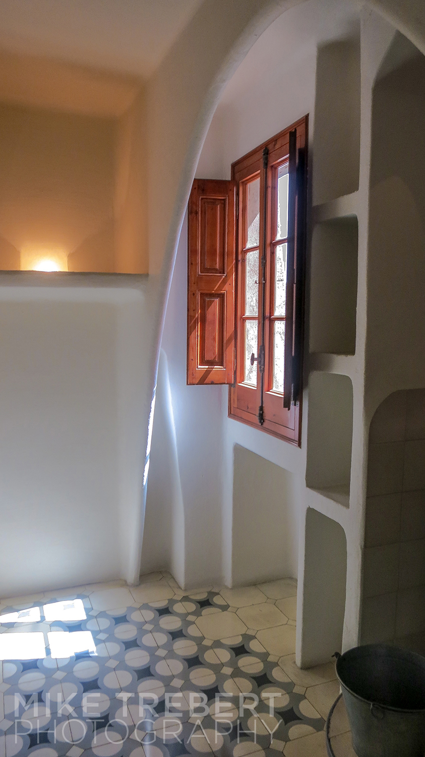 The corner of a small room on the top floor of Casa Batilo. Maybe a work room or staff quarters.