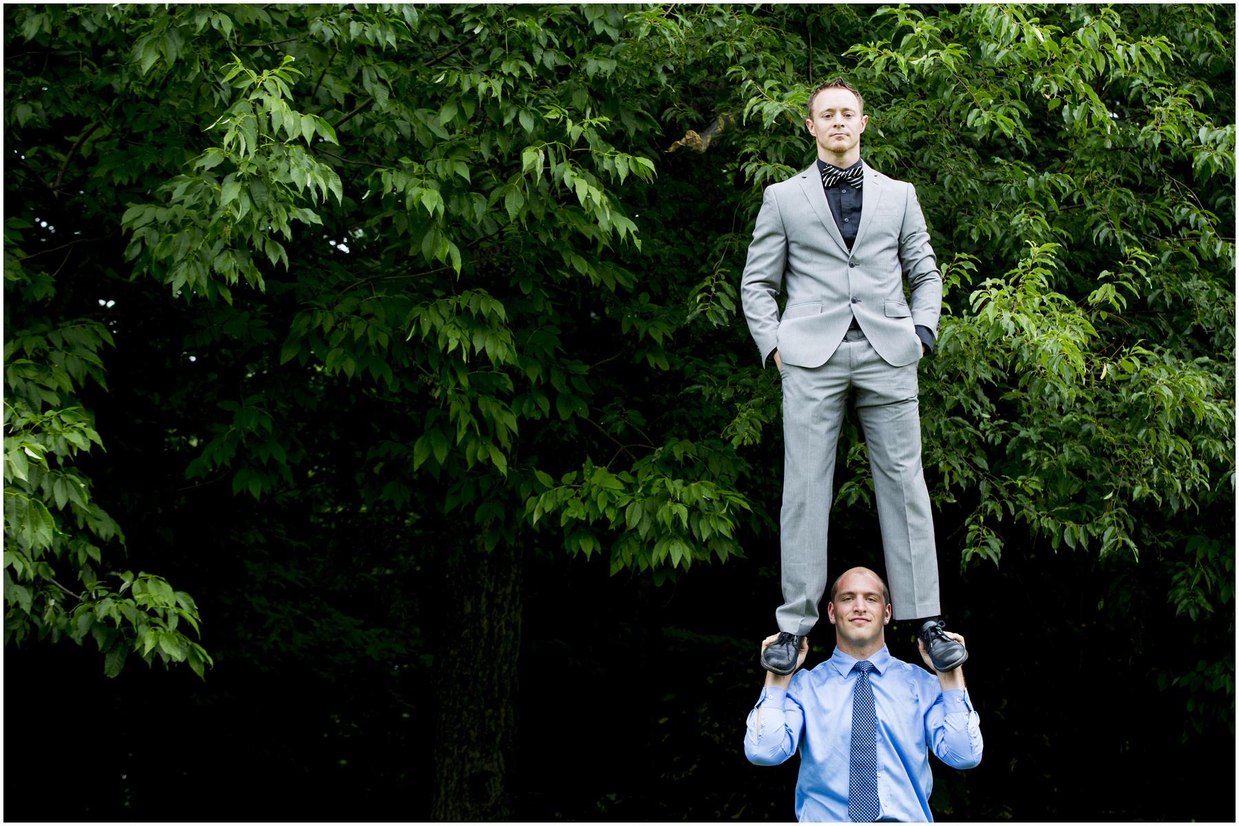 Acrobat Wedding 006.jpg