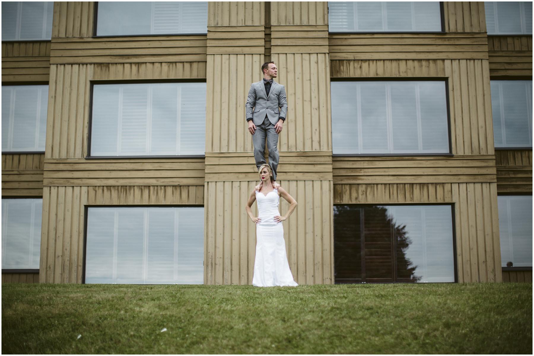 Acrobat Wedding 002.jpg