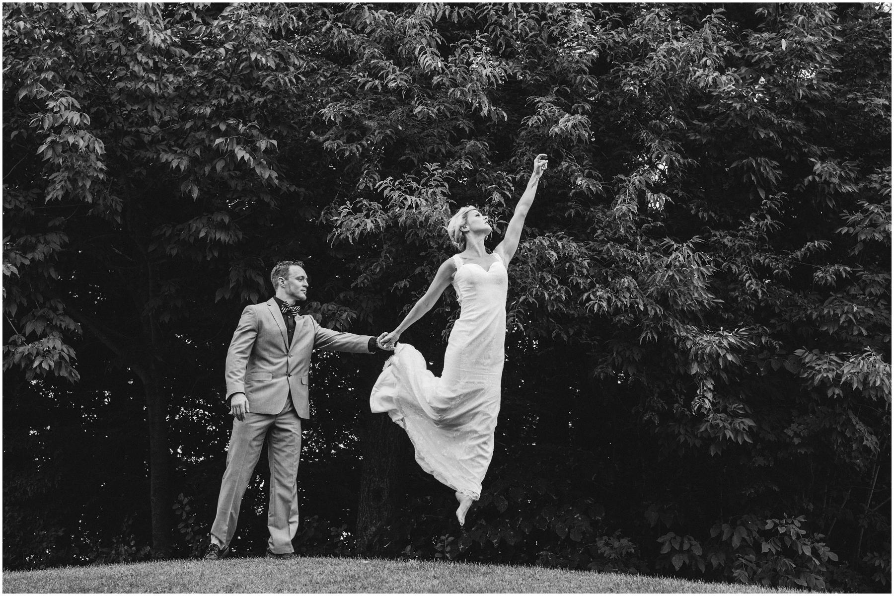 Acrobat Wedding 005.jpg