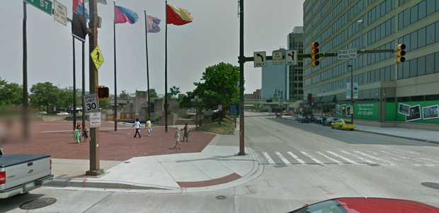 An existing leading pedestrian interval at Pratt and Light Streets.