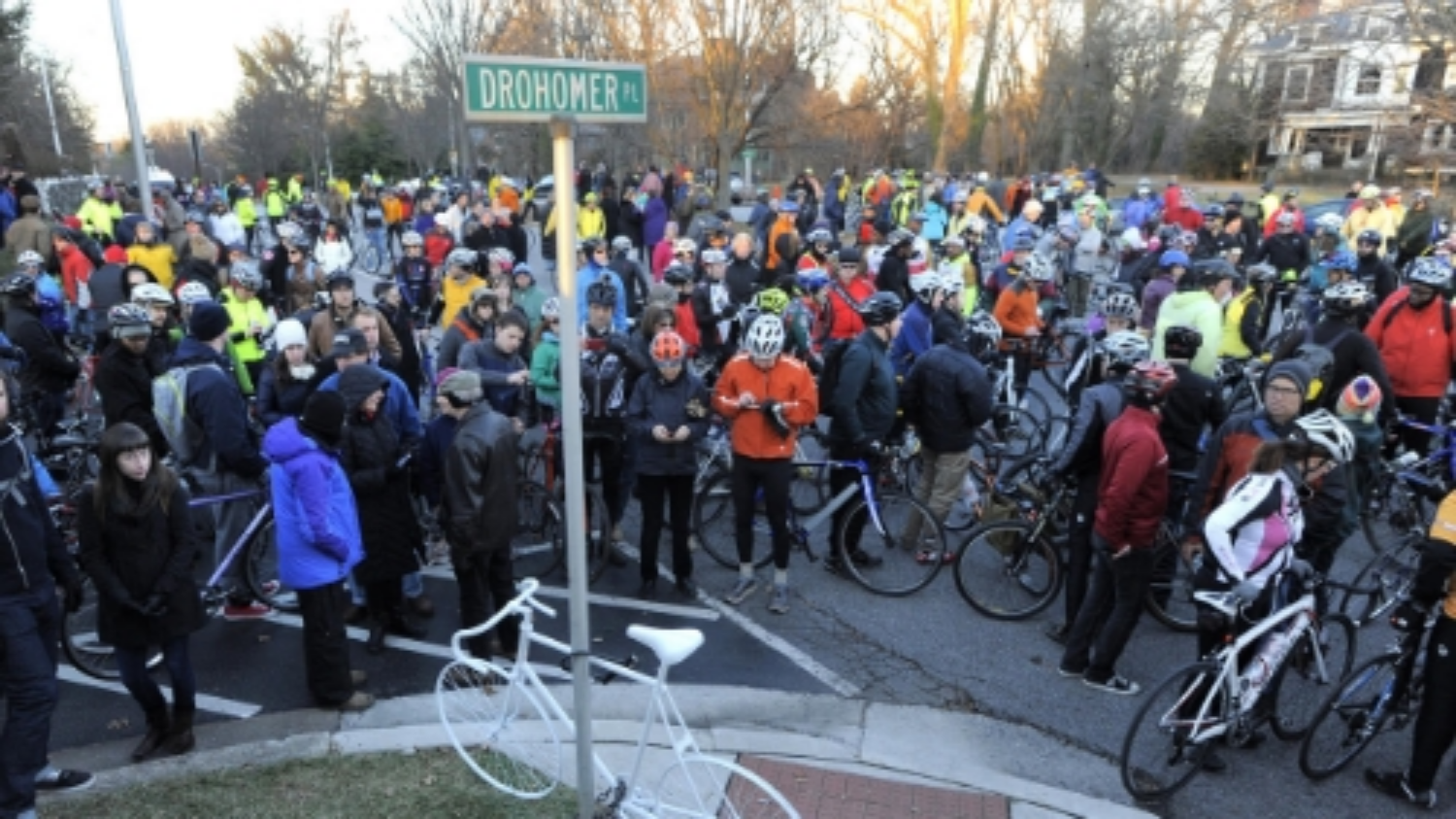 Hundreds of people on bikes gather to pay tribute to Tom Palermo.Photo Credit: Baltimore Sun