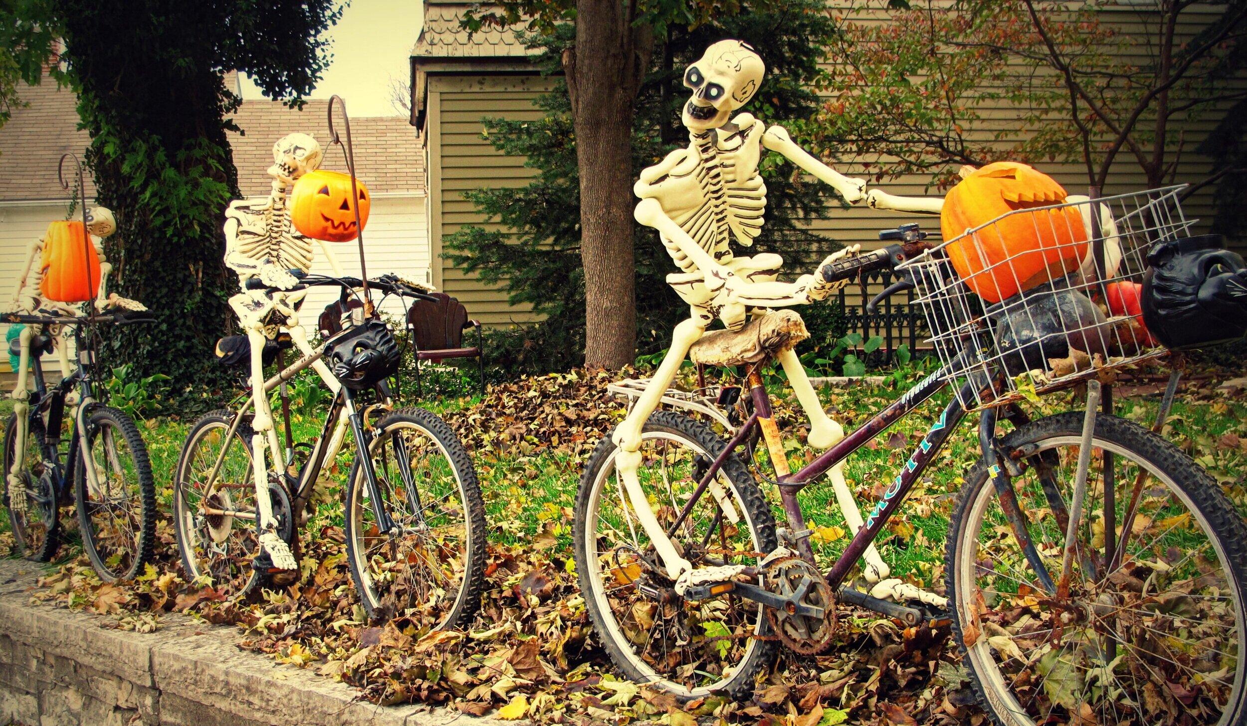 skeleton-riders-state-street-alton-ill-2012.jpg