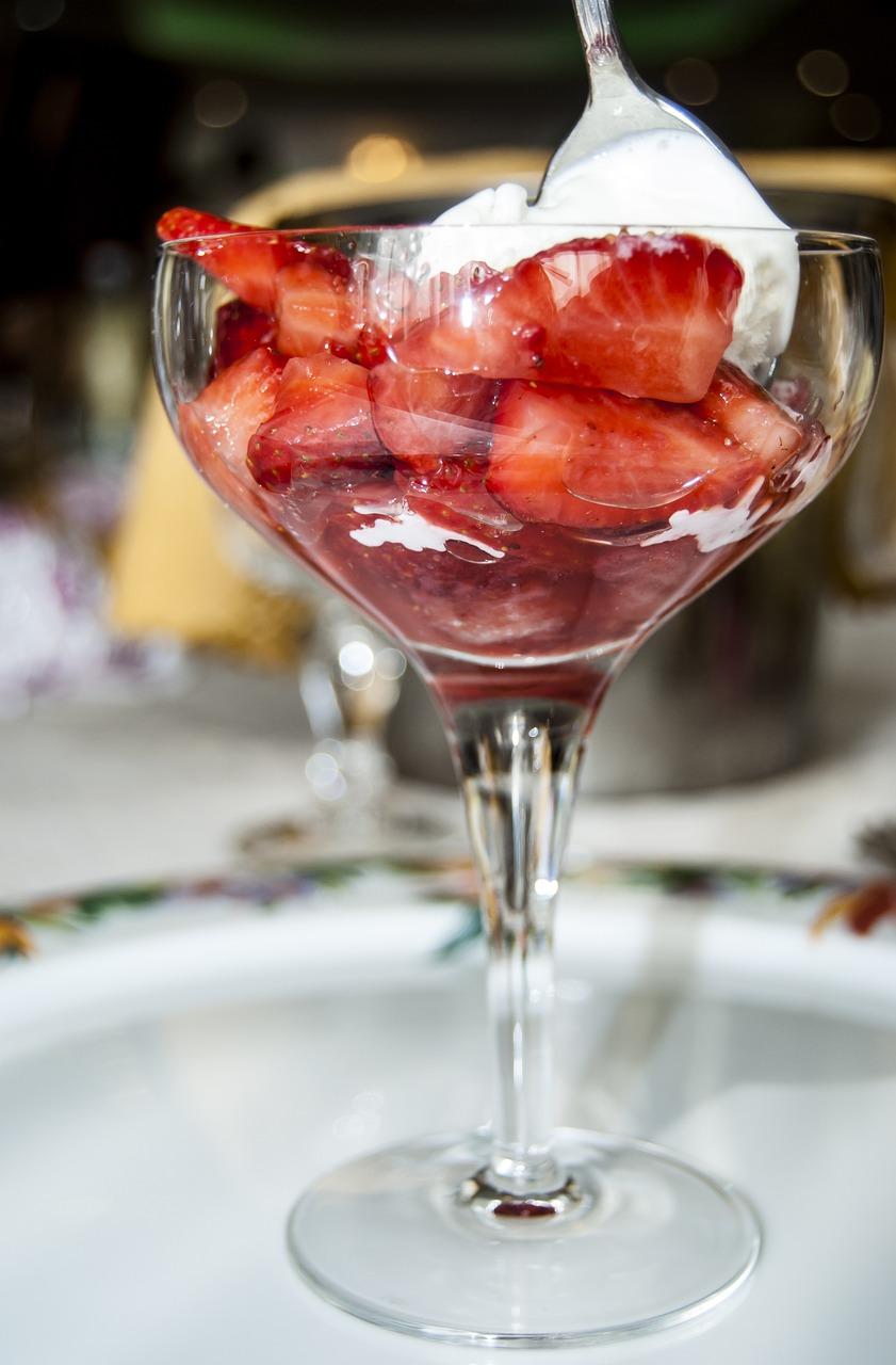 strawberries-1424858_1280.jpg