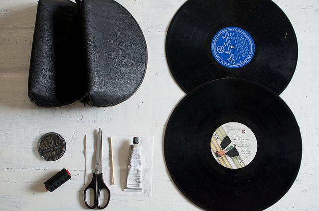 Record Clutch