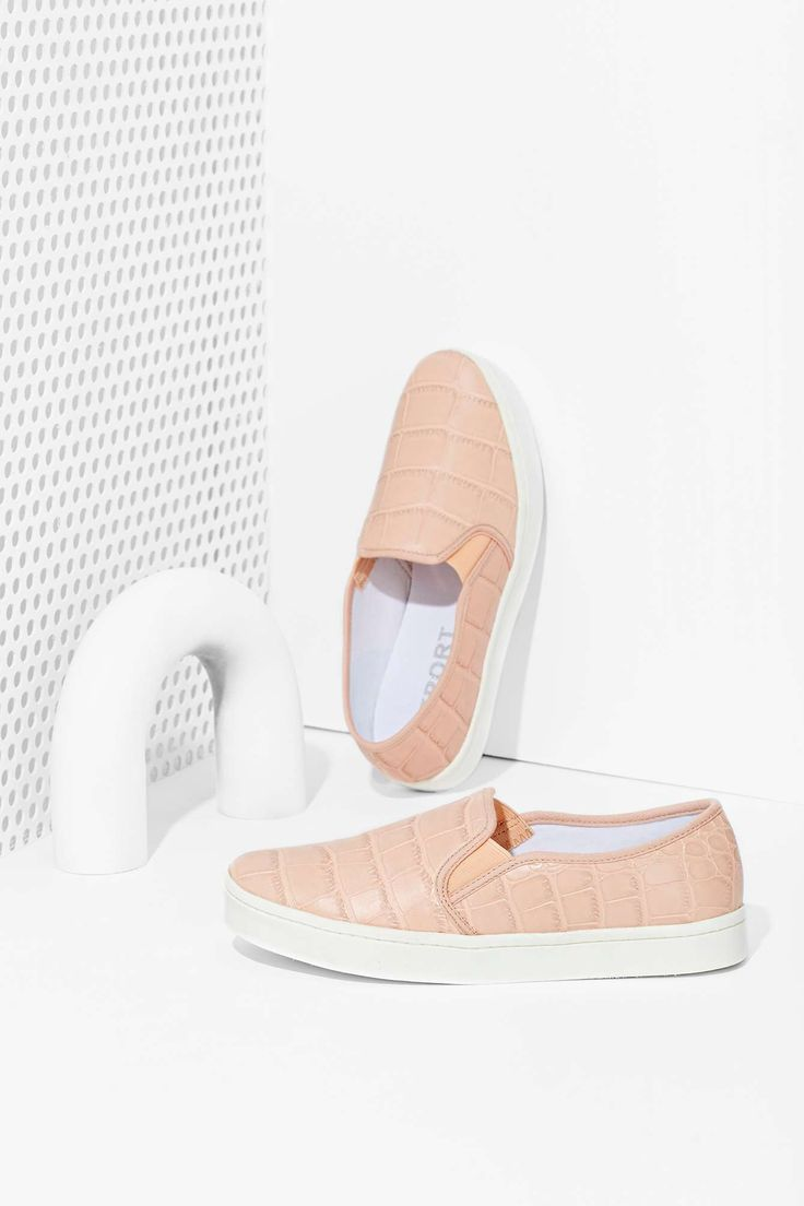 Report Keelin' Slip On Sneakers