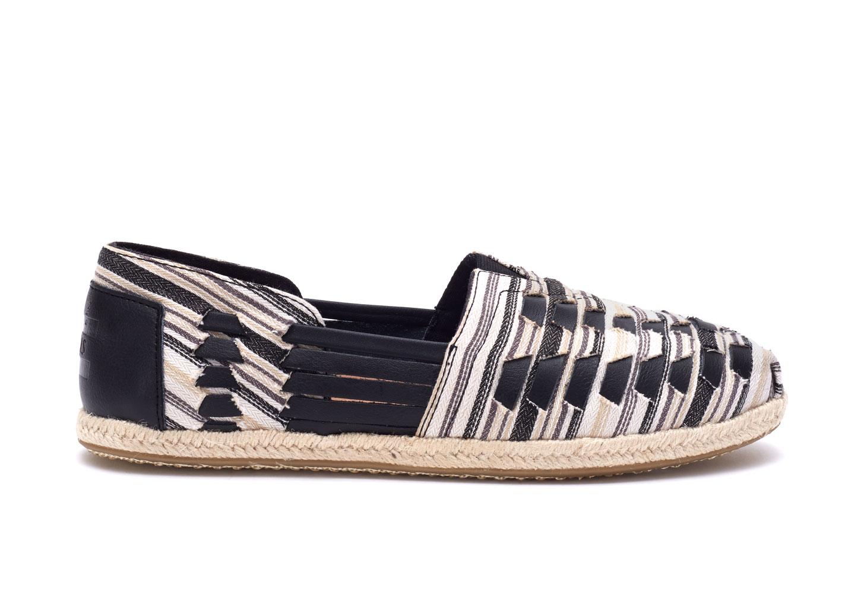 Black & White Alpargata Huaraches $89