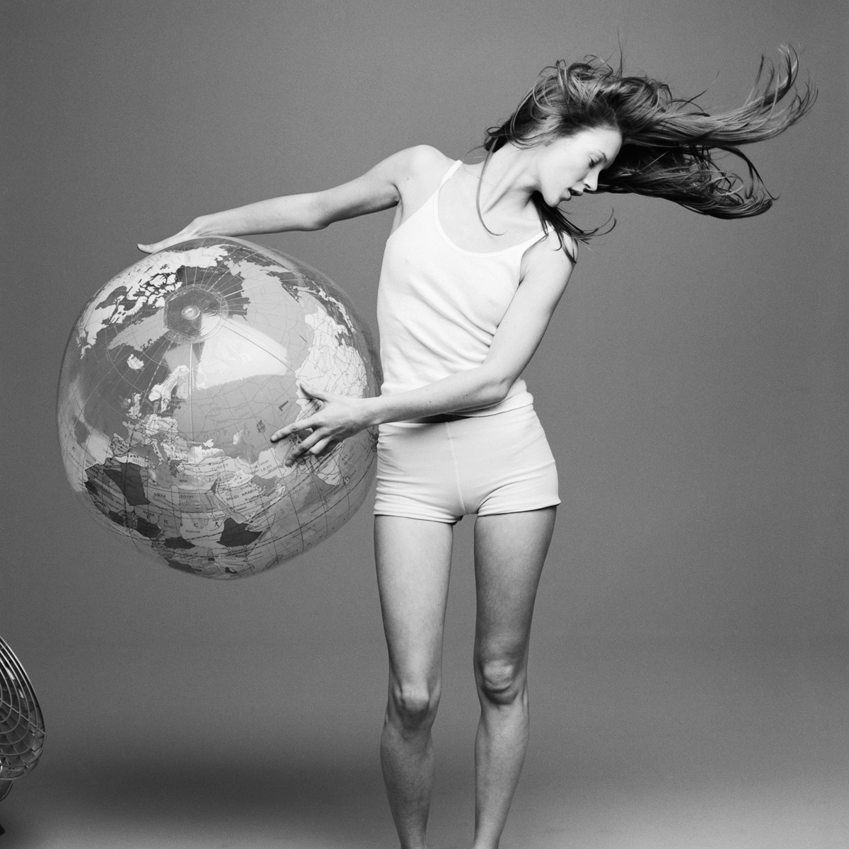 kate+moss+with+the+world+by+patrick+andersson.jpeg