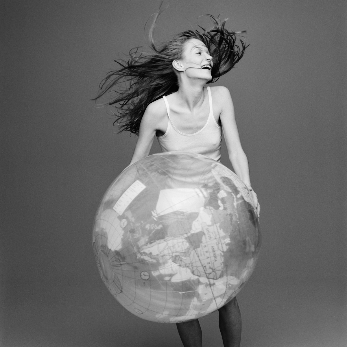 kate+moss+with+the+world+by+patrik+andersson-4.jpeg