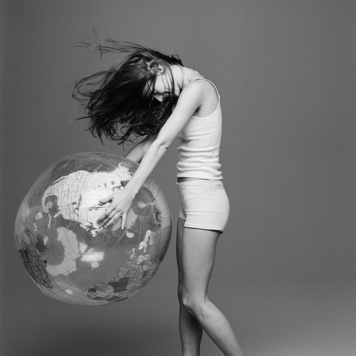 kate+moss+with+the+world+by+patrik+andersson-5.jpeg