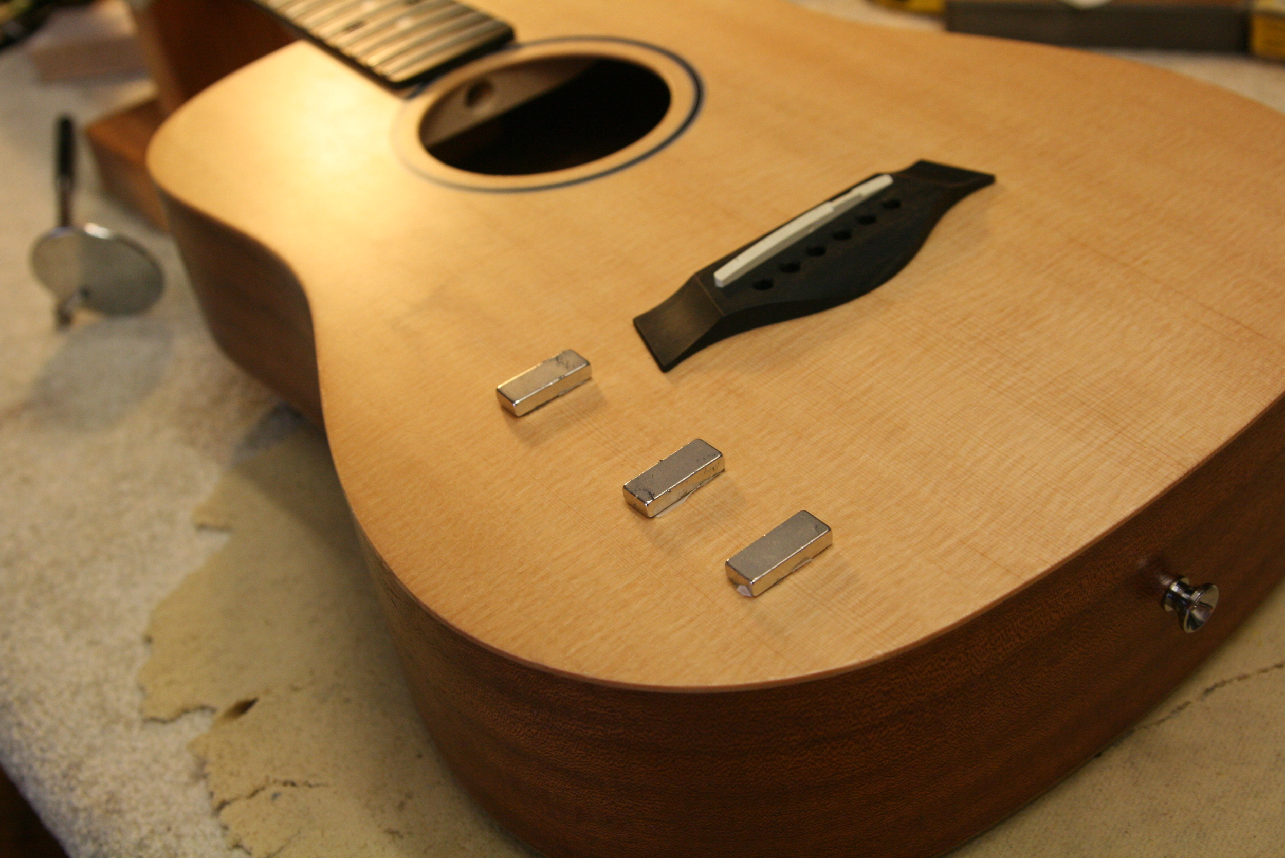 Gluing a cracked Taylor guitar top