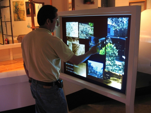 clear-interactive-projected-capacitance-foils-touch-screen.jpg