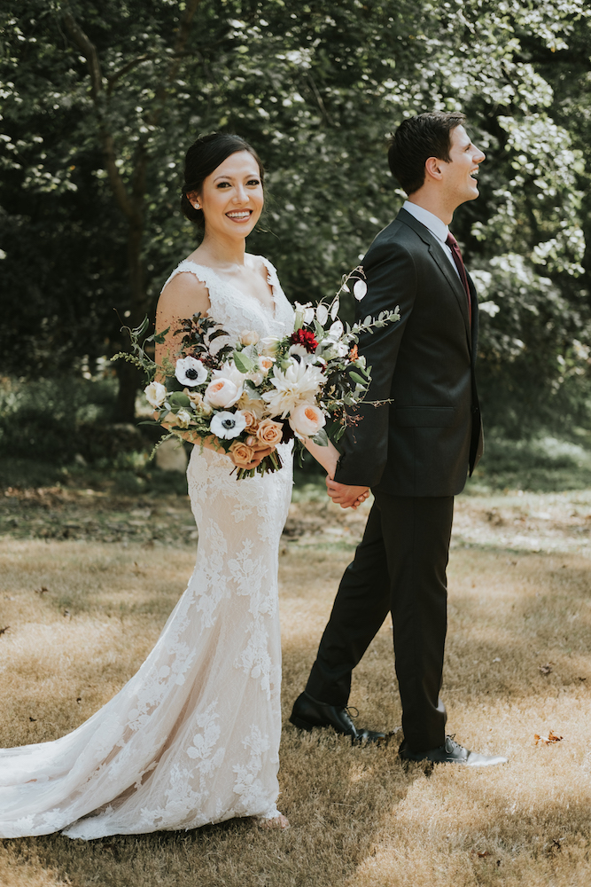 Ruthanne Josh Sneak Peeks - Holding Bouquet.jpg