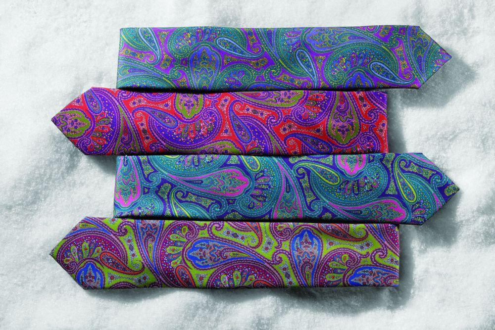 Tie Snow Grp 239.jpg