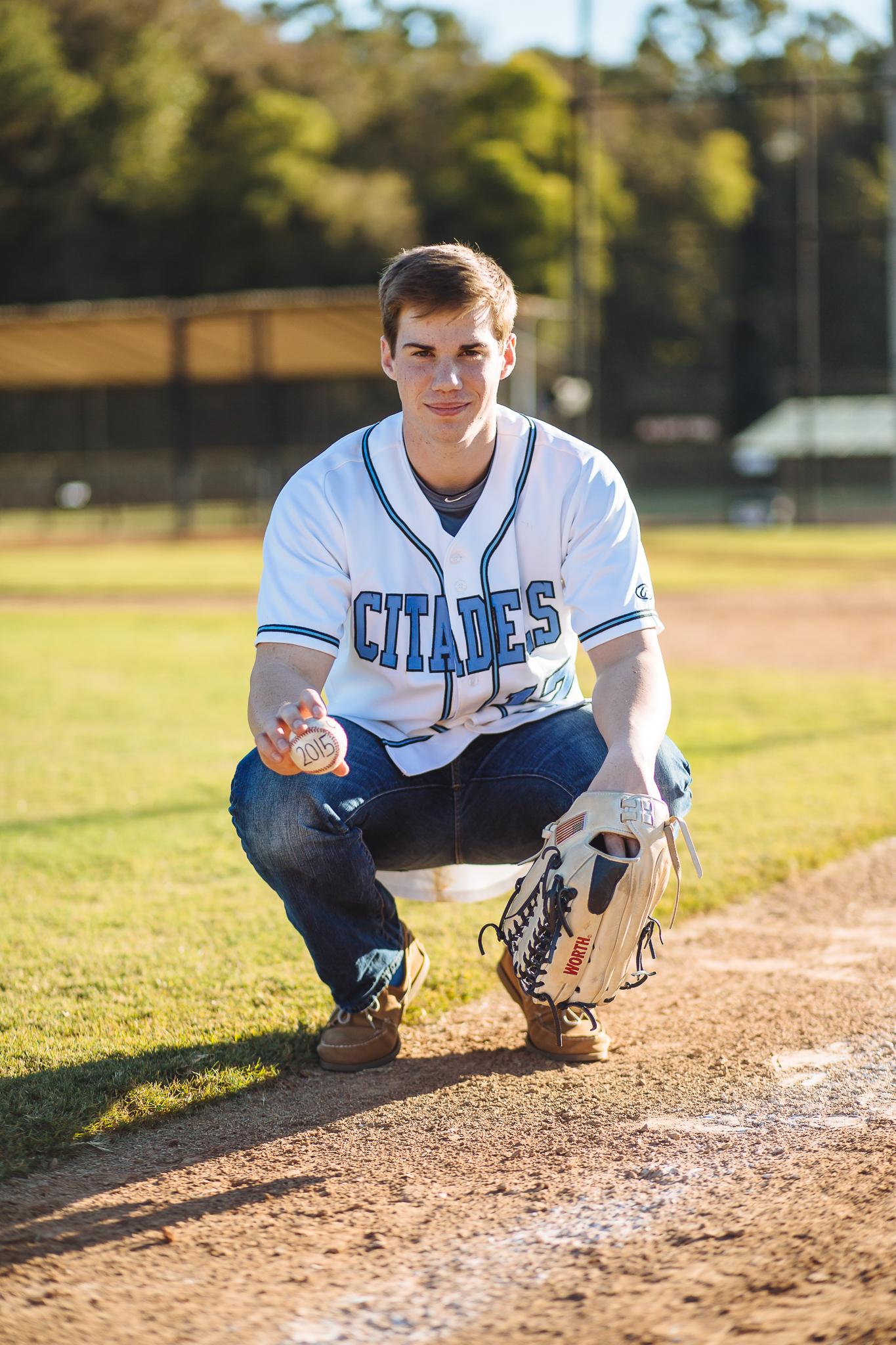 baseball_senior_photo_homeschool_GA_barn_senior photography_image-8.jpg