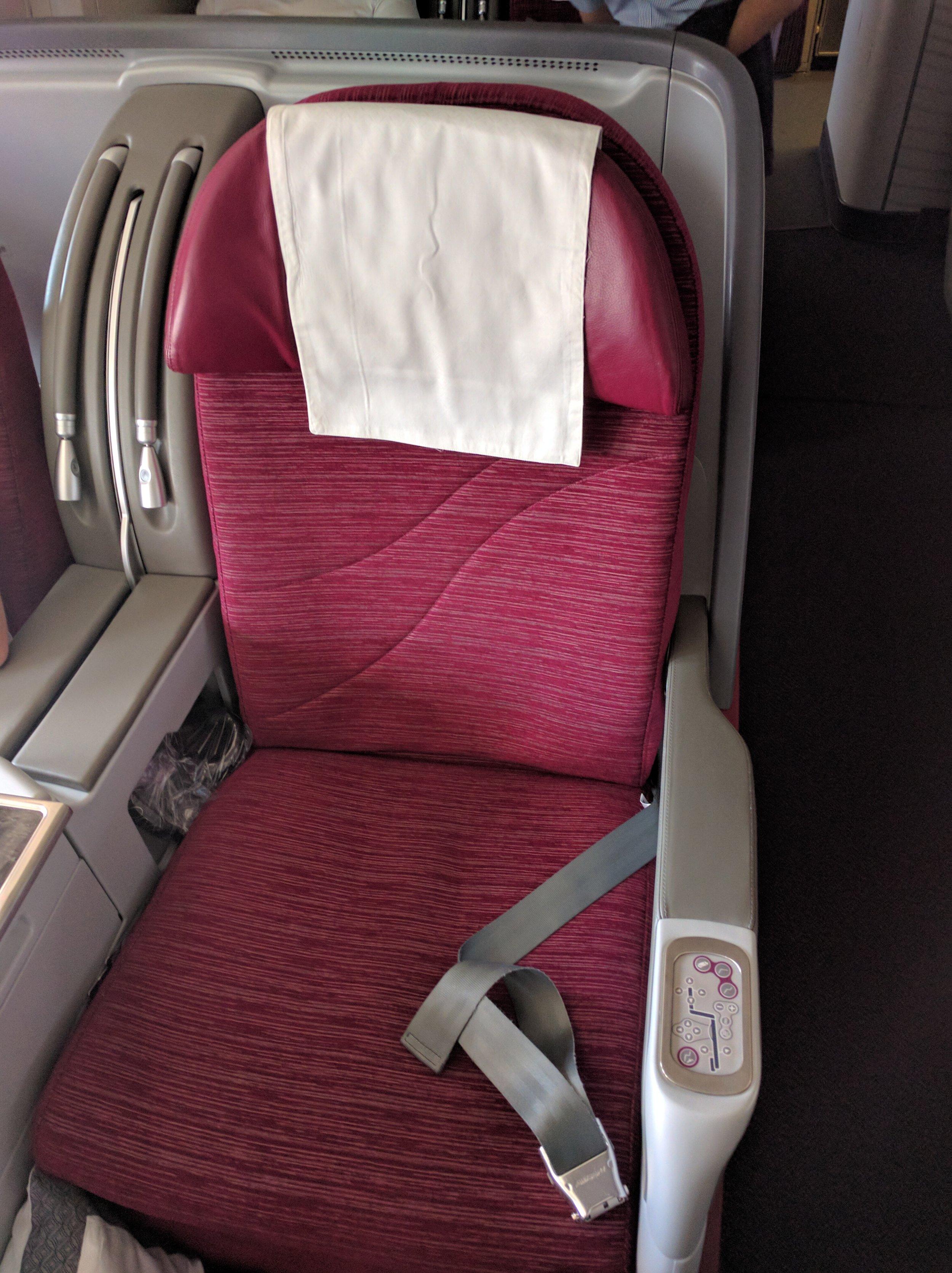Qatar 777-300ER Business Class Seat