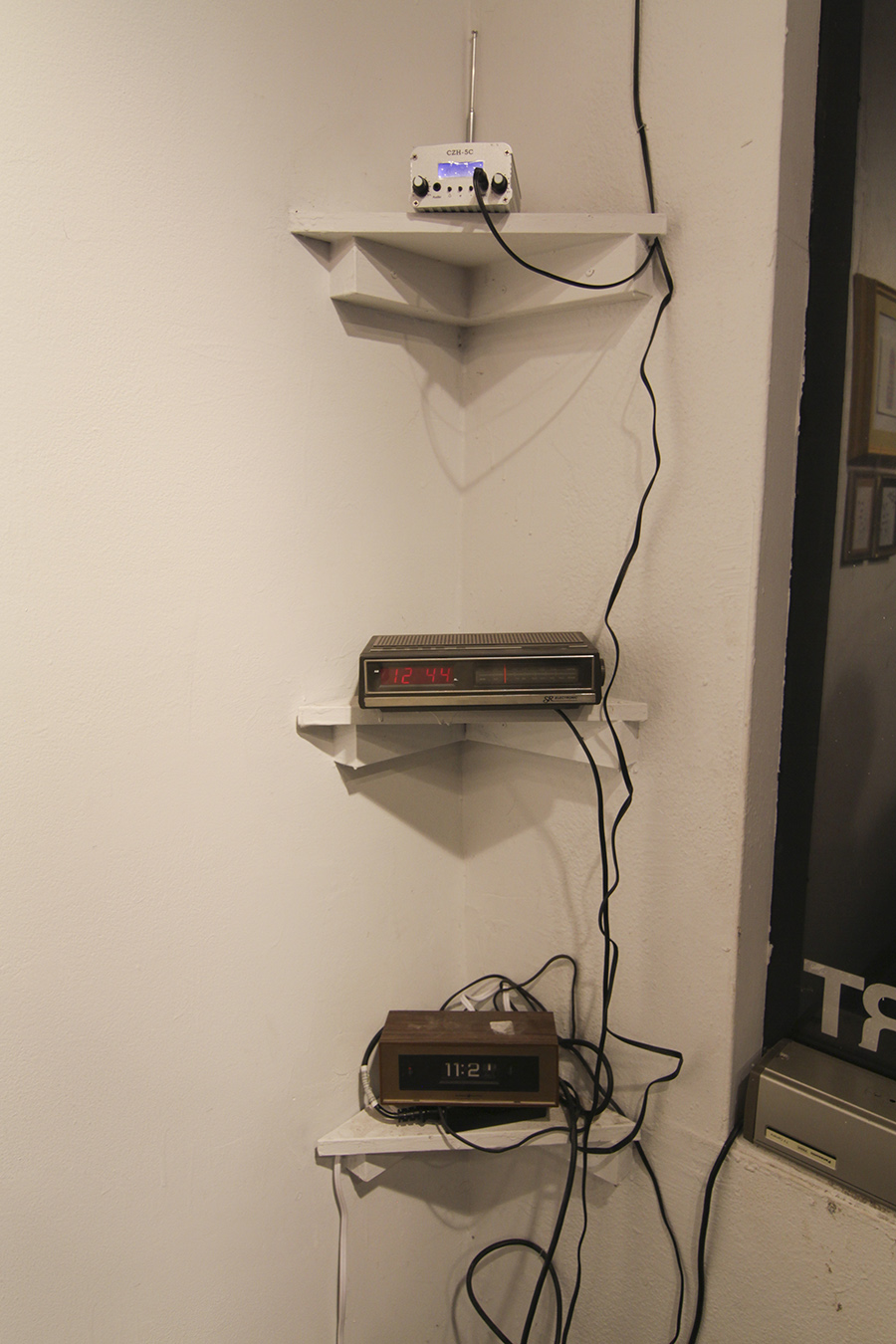 found clocks, fm transmitter, cables