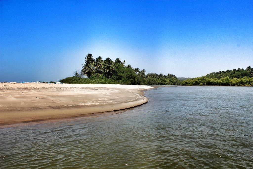 THE START OF MANDREM BEACH : WHERE THE RIVER MEETS THE SEA....