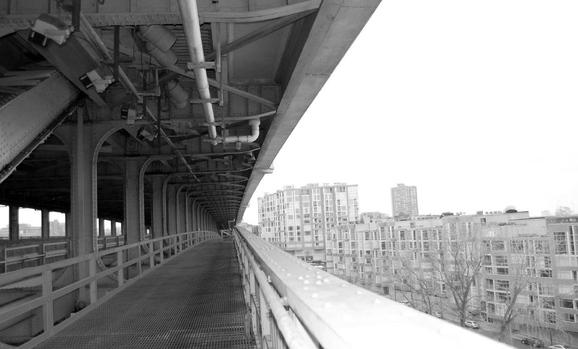 original photo of central span of the bridge