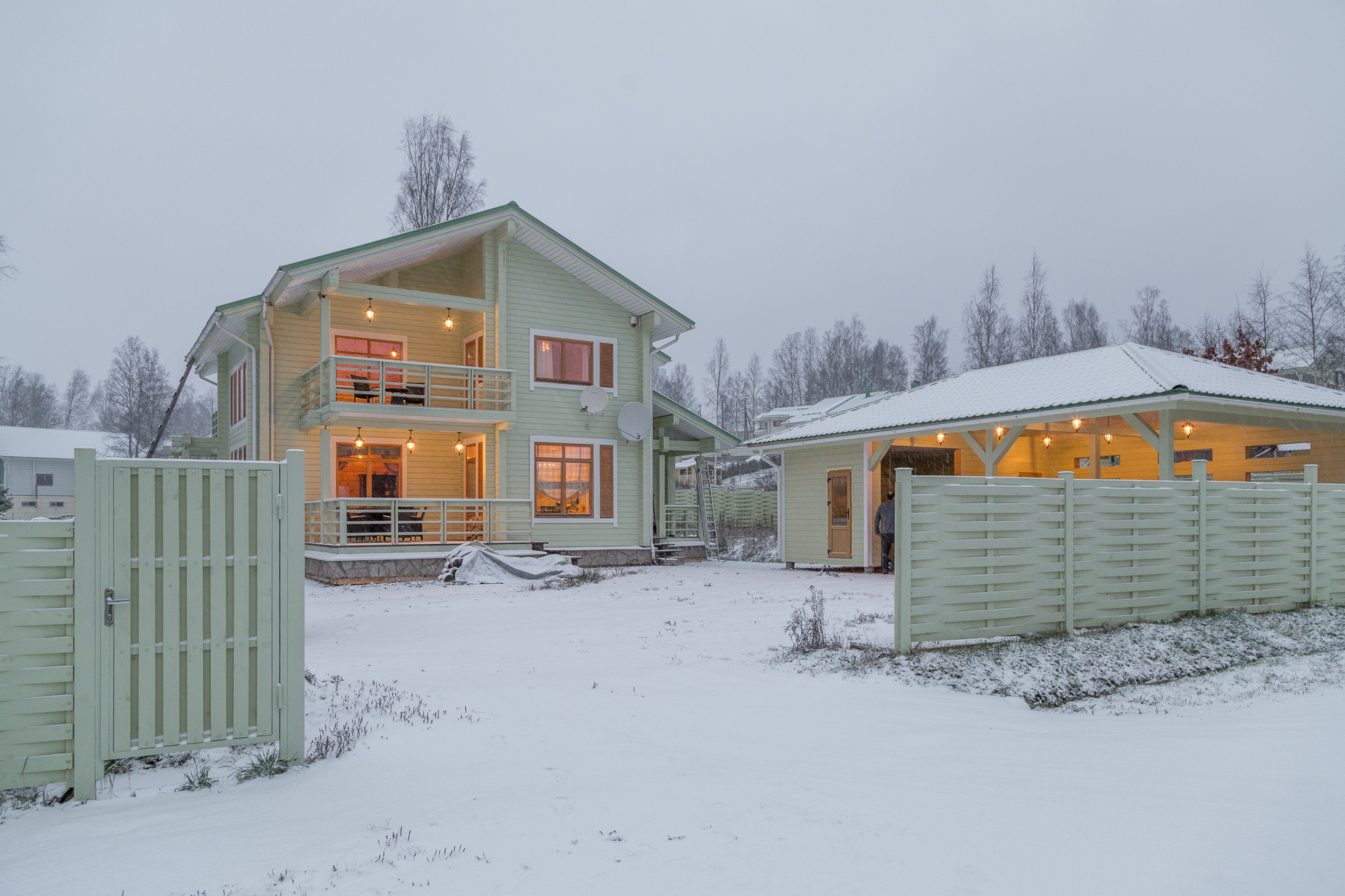 cristmas house.jpg