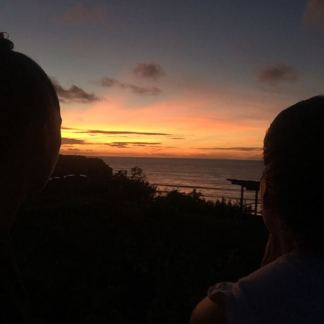 Theres something so magical about sunset. Make sure you're getting your full dose! 🌅  #life #bali #sunset #living #yoga #surf #eat #sleep #repeat #chinesemedicine #yangtoyin