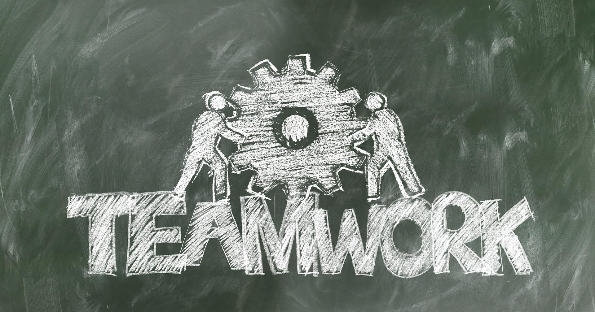 teamwork-2499619_1920.jpg
