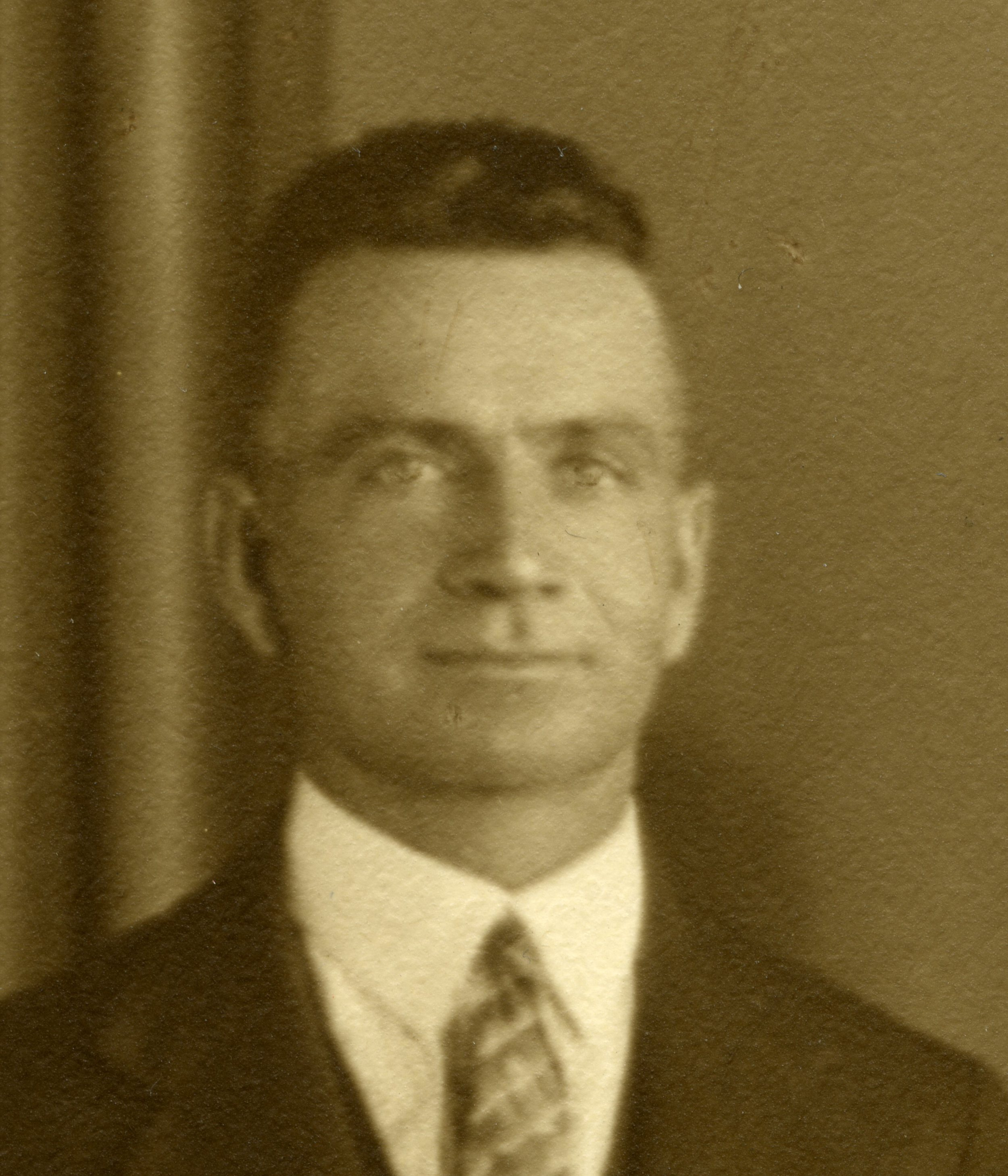 ' The Deaf Advocate '  Editor  Ernest Quinnell