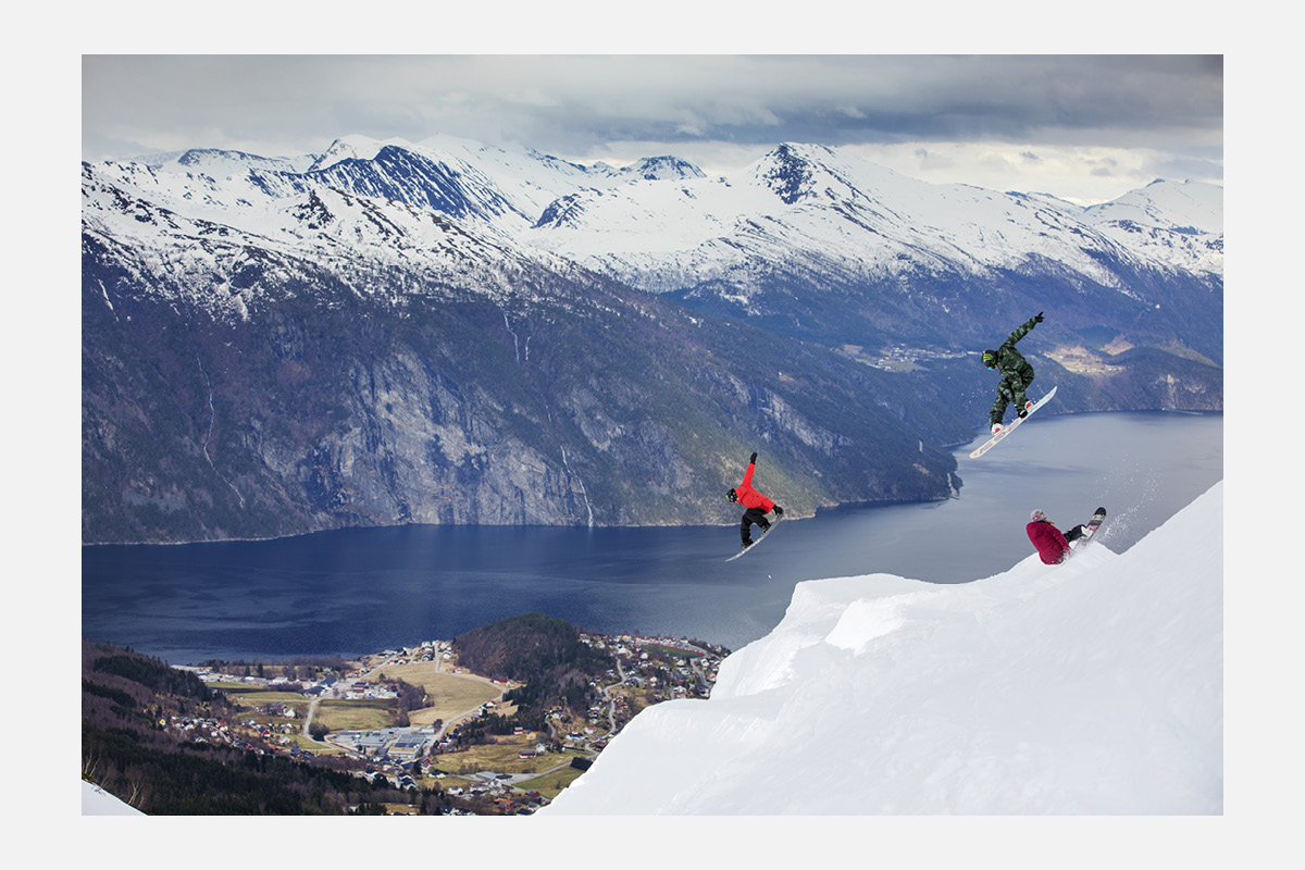 Oakley-Winter-Campaign.jpg