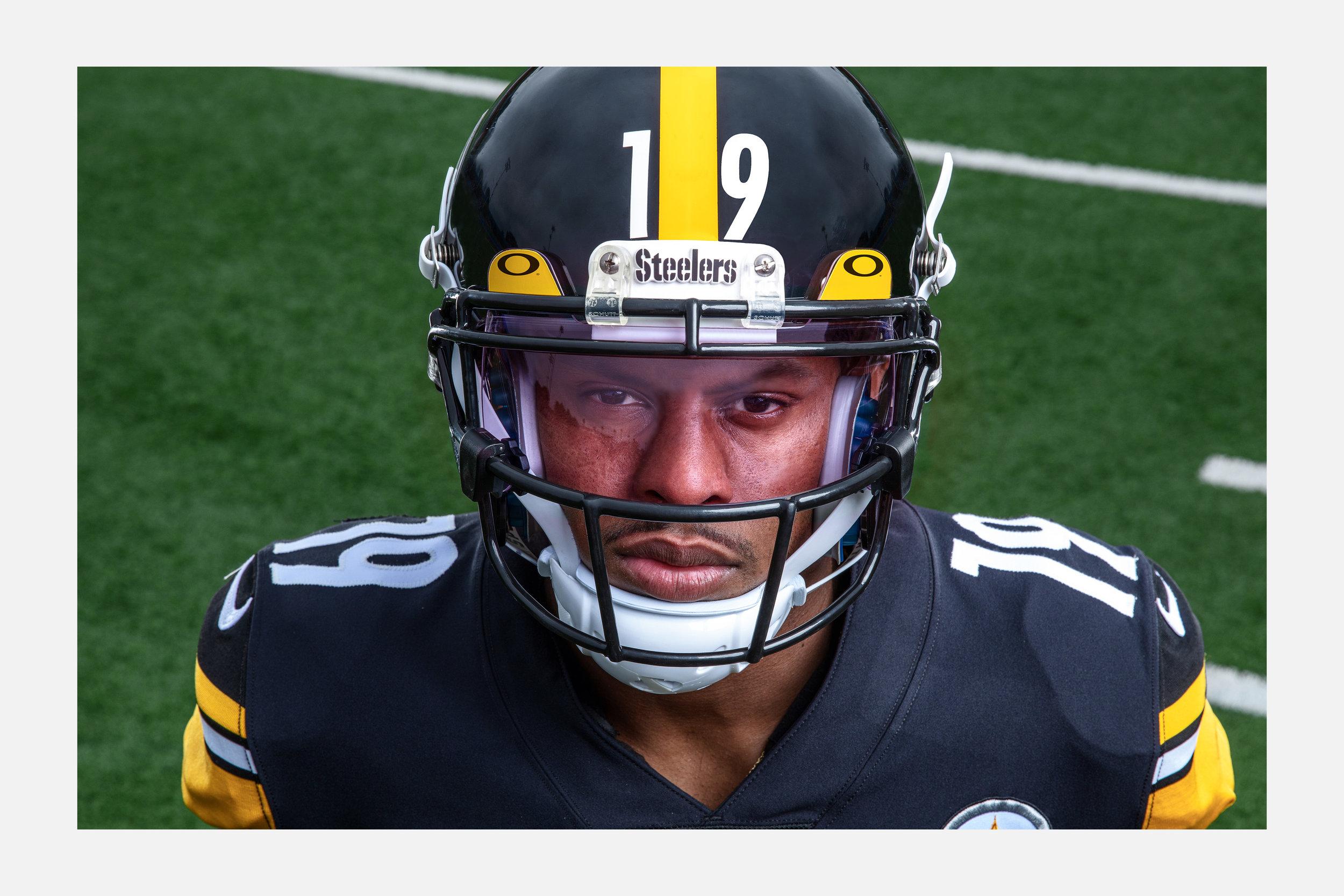 Oakley NFL Web 2.jpg