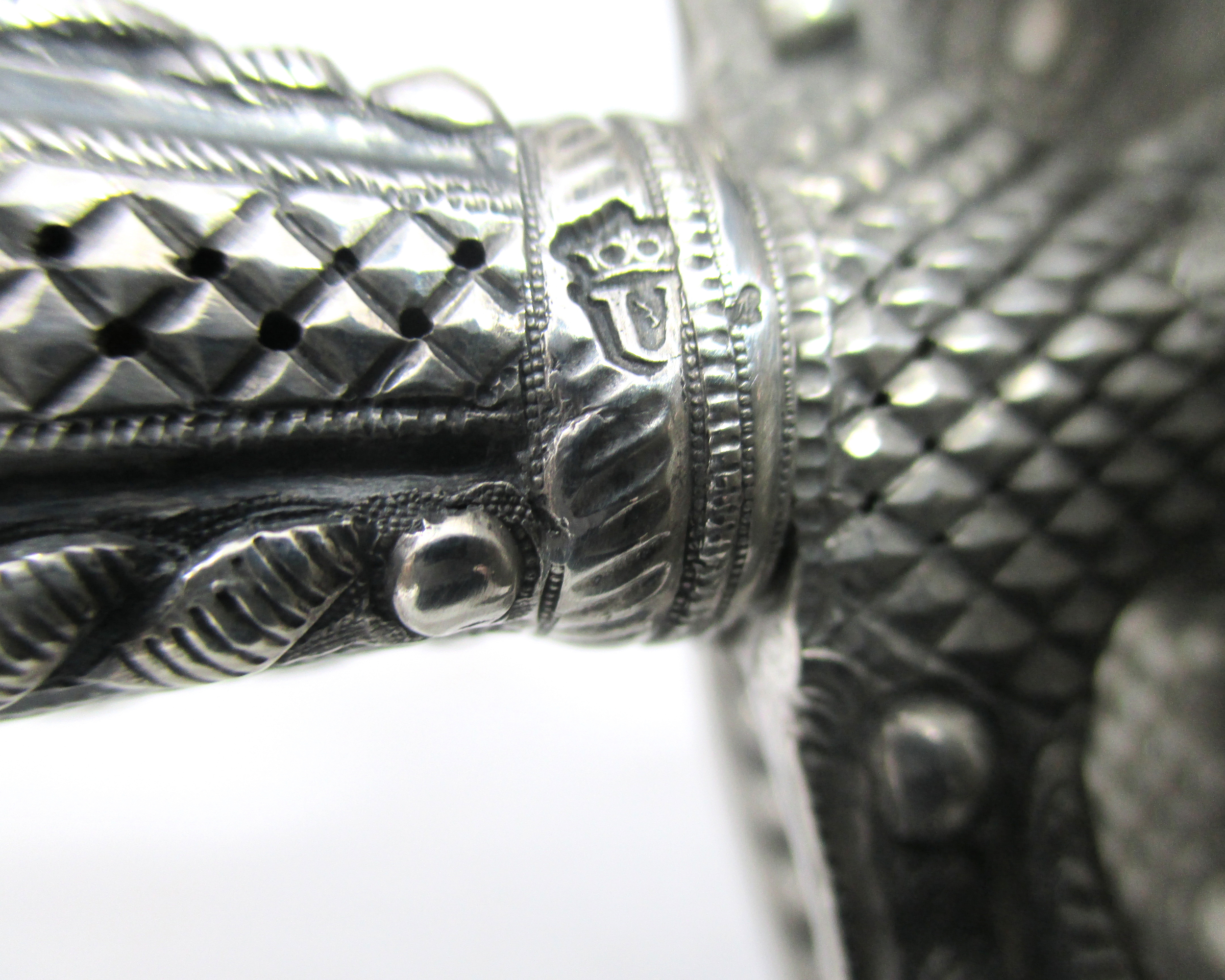 french-silver-hilt-sword-weapon-18thcentury-gary-friedland-arms-armor-6.jpg