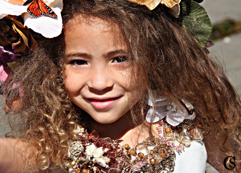 Butterflies in her hair CHIARIstyle
