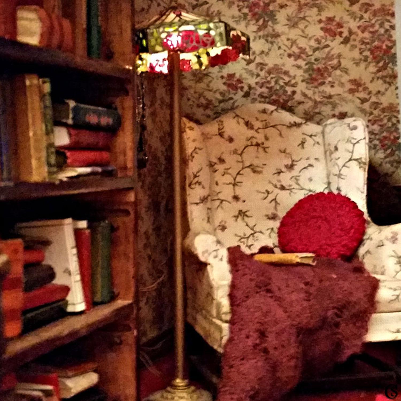 dollshouse-chiaristyle-19-reading-room.jpg