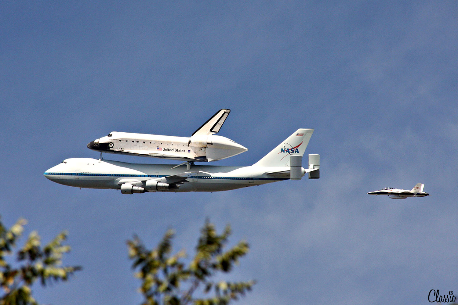 Space Shuttle Fly over CHIARIstyle