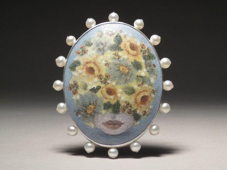 6edfbe76a43079918ecb1c7707c9afea--body-parts-statement-jewelry.jpg