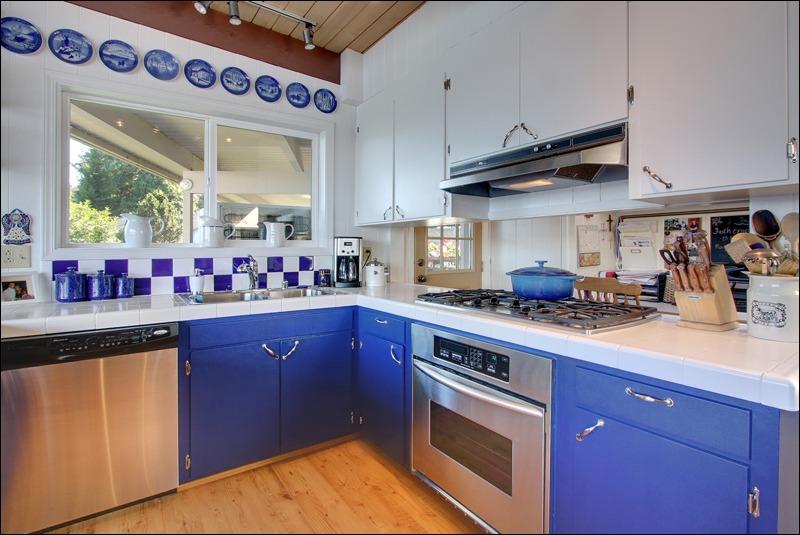 07_9901_n_davies_kitchen01_web.jpg