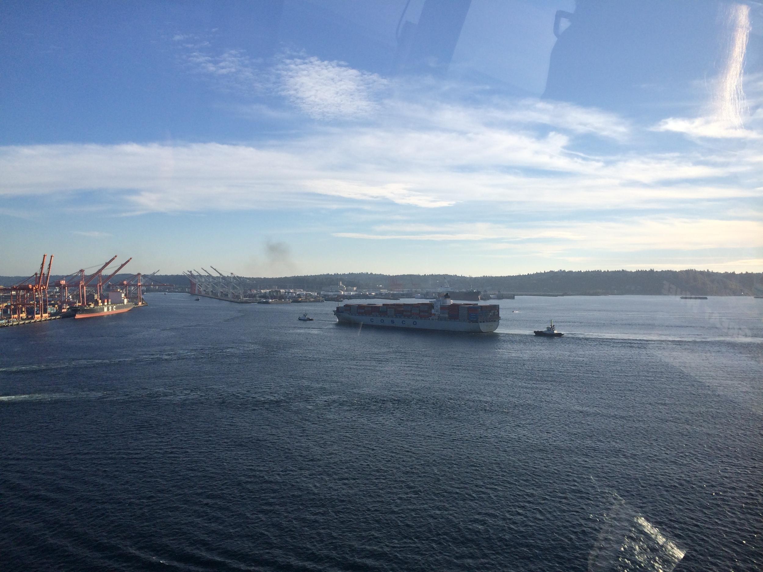 Tug pulling a barge on Elliot Bay...