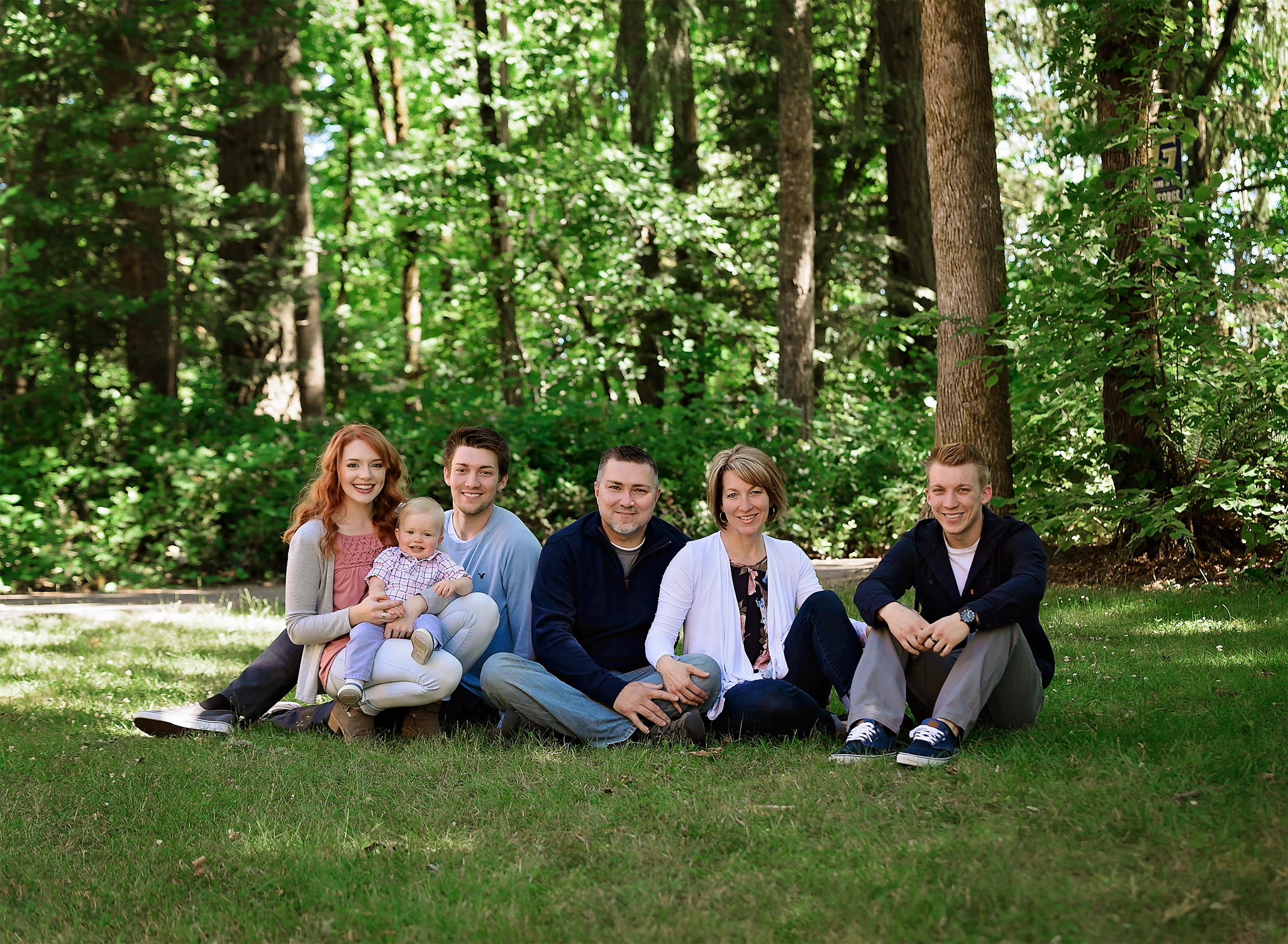 Family session with grandparents and uncle