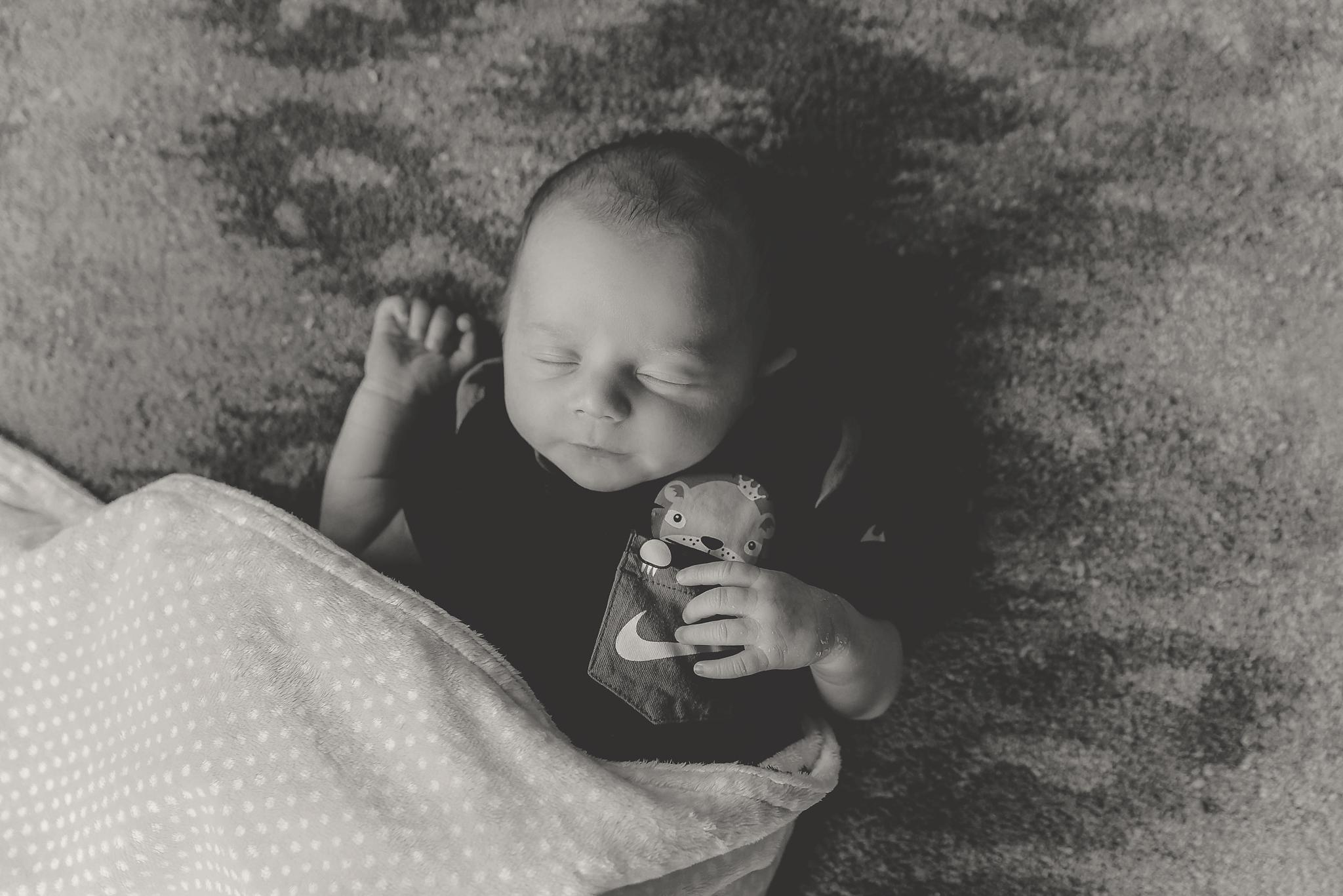documentary newborn portland oregon photographer (44).jpg