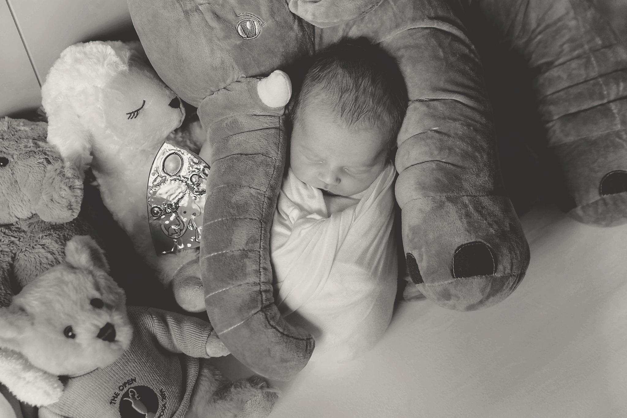 documentary newborn portland oregon photographer (106).jpg